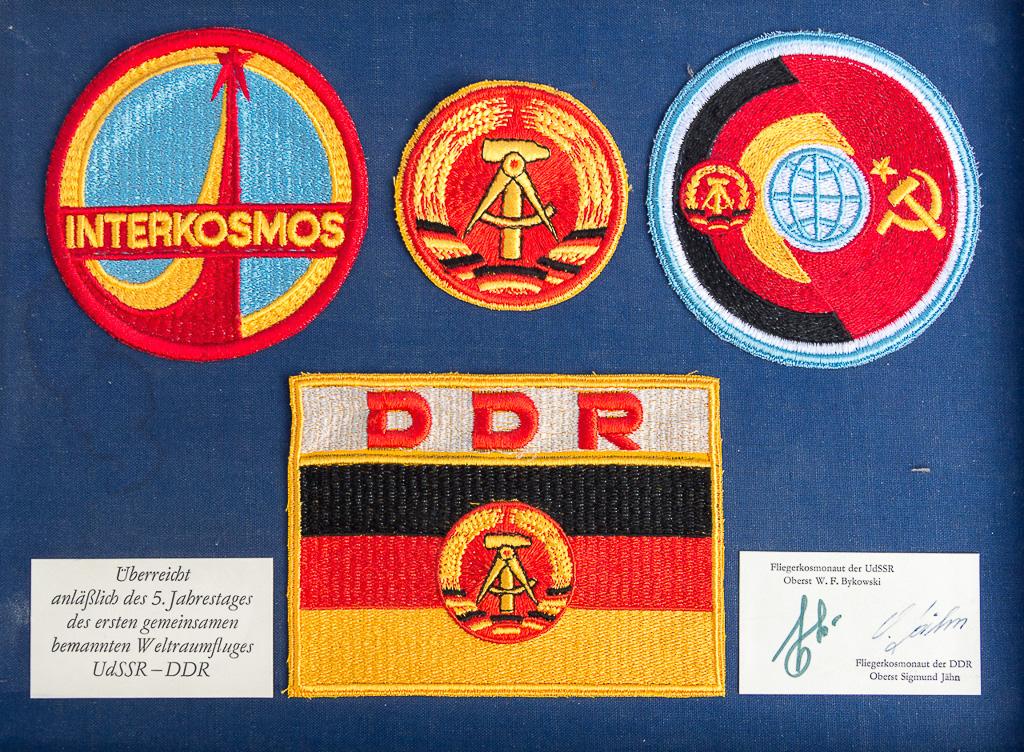 Embleme der Sojus-31-Mission aus Anlass des 5. Jahrestages