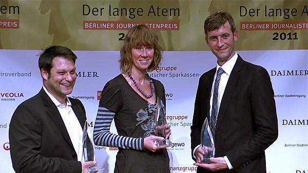 Die Preisträger (v.l.n.r.): Yassin Musharbash, Nadja Klinger, Ulrich Wangemann   Foto: © Jörg Wagner