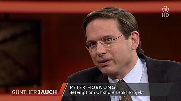 """NDR-Recherche-Journalist Peter Hornung bei """"Günther Jauch"""" am 07.04.2013"""