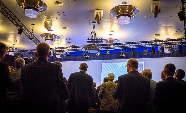 Standing ovation für Prof. Alfred Neven DuMont | Foto: © Jörg Wagner