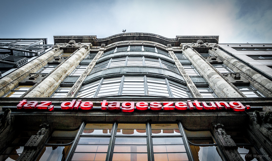 taz-Redaktions-Gebäude in der Berliner Rudi-Dutschle-Straße | Foto: © Jörg Wagner