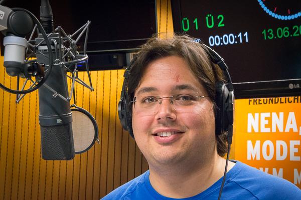 Daniel Bouhs im radioeins-Studio