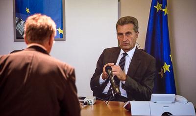 Schaltkonferenz mit Günther Oettinger