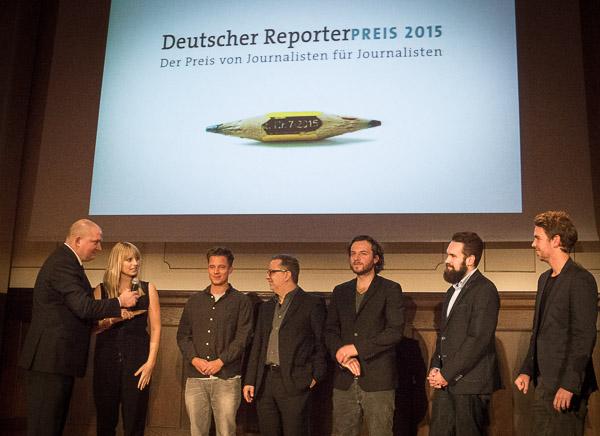 Das ganze Team der M29-Rportage mit Moderator Jörg Thadeusz (links)