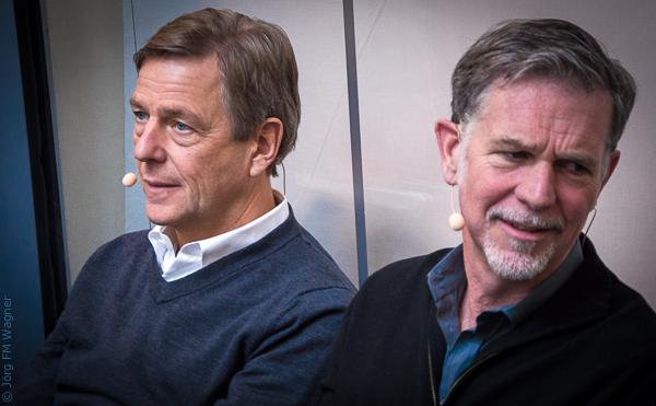 Warten auf den Auftritt: Claus Kleber - Reed Hastings
