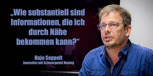 """Hajo Seppelt während der Veranstaltung """"Die große Kumpanei? - Die Welt der Sportjournalisten"""""""