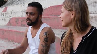 Julia Jaroschewski beim Interview in der Favela Cidade de Deus