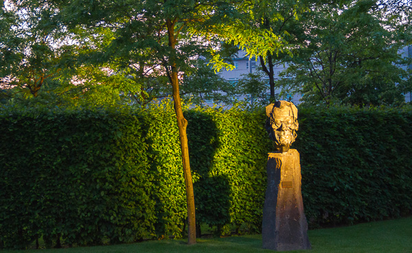 Willy-Brandt-Büste in der Landesvertretung Rheinland-Pfalz beim Bund