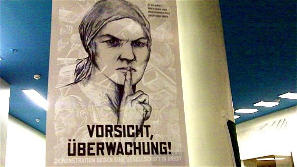 Plakat beim CCC-Congress 2009 |Foto:  © Jörg Wagner